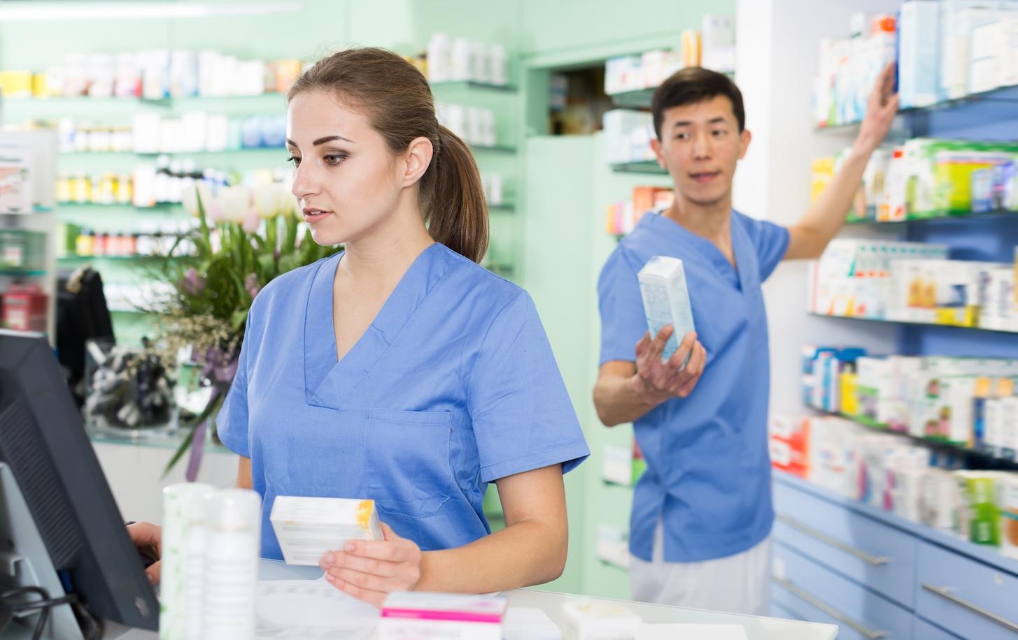 pharm tech technician at pharmacy